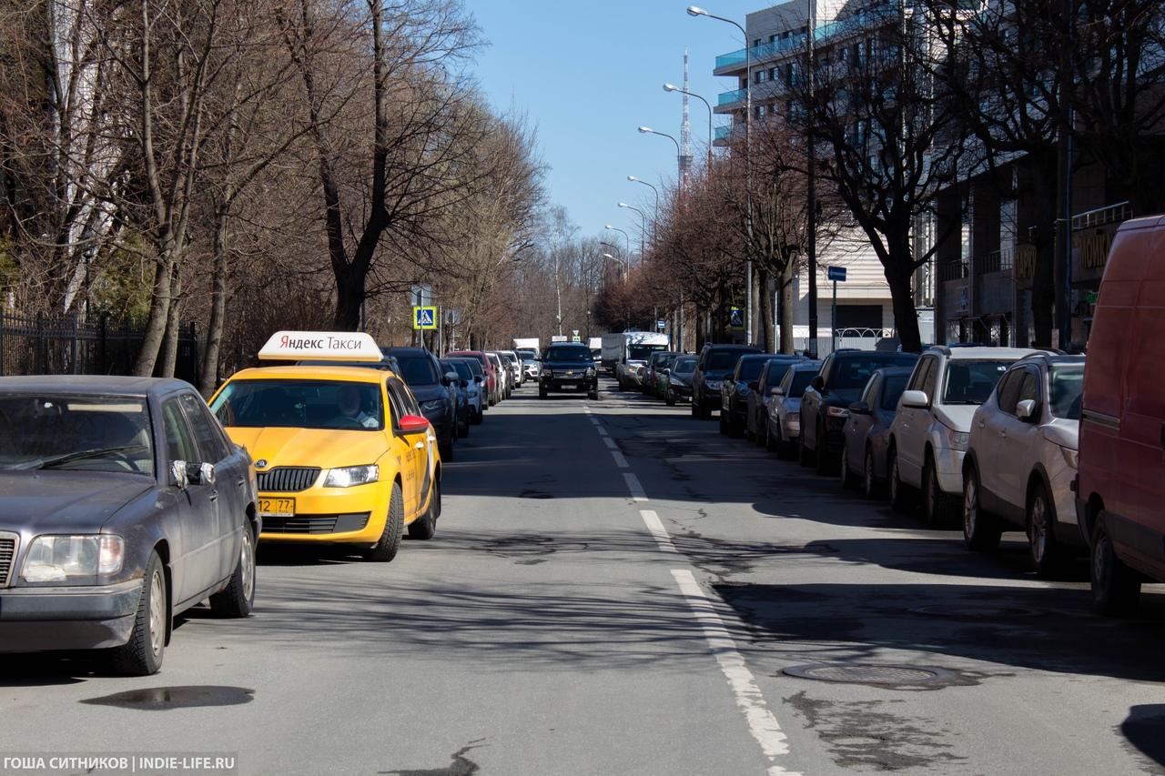 Парковки Крестовский остров