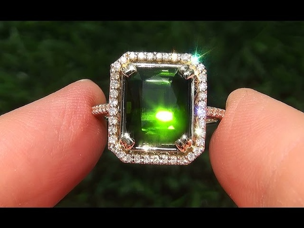 Estate FLAWLESS Natural Green Tourmaline Diamond 14k Yellow Gold Ring - A141725