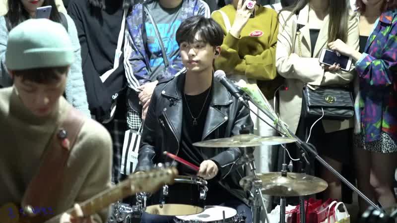 181008 The Rose (더로즈) 홍대 버스킹 Hongdae Busking - 베이비 Baby ( 하준 HaJoon Focus )