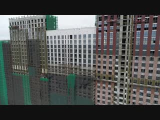 """Три корпуса первой очереди ЖК """"Селигер Сити"""" гордо возвышаются над территорией строительства."""
