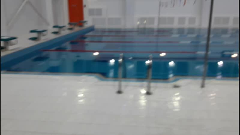 По утрам бегам в бассейн 😁🏄♂️🏄♀️с мужем.mp4