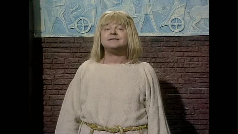 Шоу Бенни Хилла. (UK, 14.03.1979) The Hills Angels Years 1978-1981. Русский перевод большинства сцен.