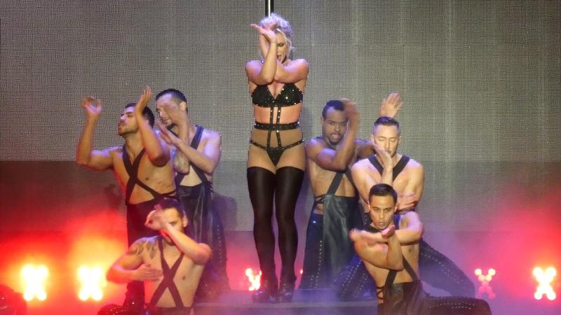 Britney Spears - I´m a Slave 4 U - Piece of Me Tour 2018 - Live @ Sparkassenpark Mönchengladbach