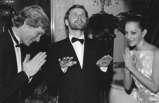 У балетных свои причуды Роберт Ла Фосс, Михаил Барышников и Лесли Браун за странным ритуалом
