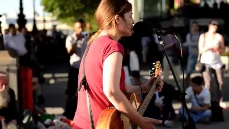 I am a Survivor DESTINY'S CHILD cover by Susana Silva street performer.mp4