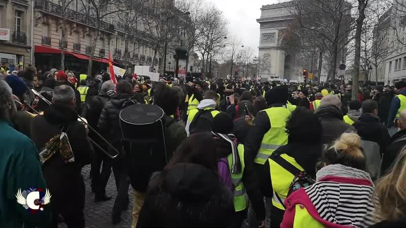 Fanfare Paris ACTE 9, CETAIT LE FEU (pas au sens de BFM) Partagez !(1)