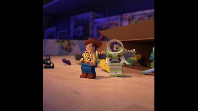 LEGO Disney Pixar's Toy Story 4 - Movie Premiere Celebration