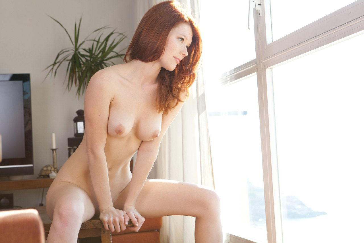 Hot babe plays with pornnylons com