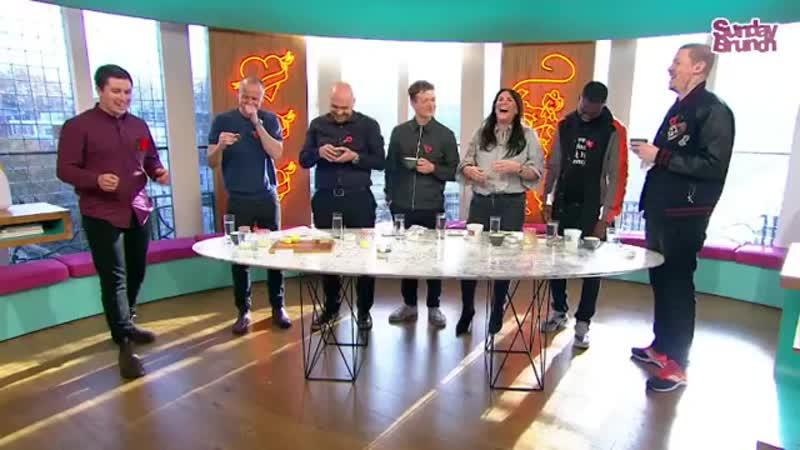 Эд Спелирс в шоу Sunday Brunch 11 ноября на Channel 4_2
