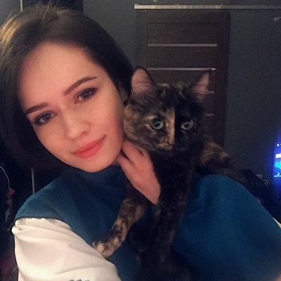 Яна Гладкова