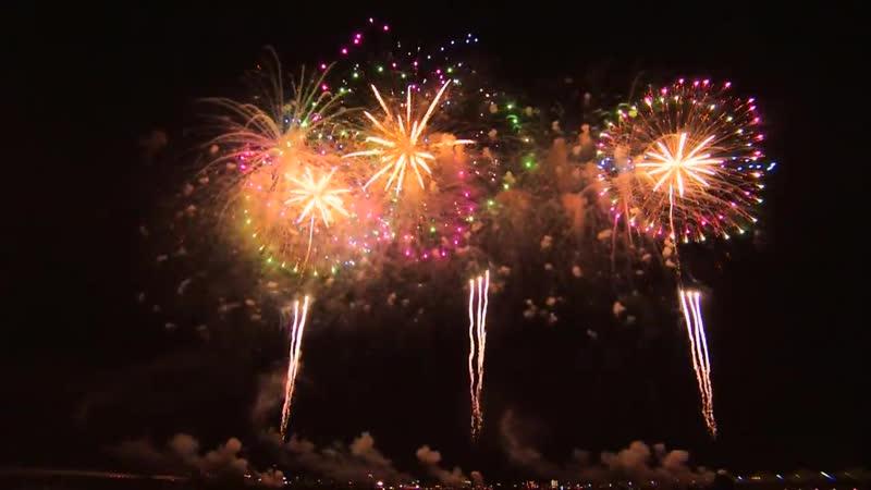 長岡花火 2013 エンディング 尺玉100連発 米百俵花火 TDKラムダ 8月2日 100 12inch shells 2013 at Nagaoka ,Ni