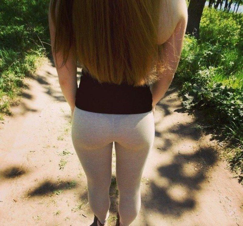 Hawt mamma in white pantyhose posing
