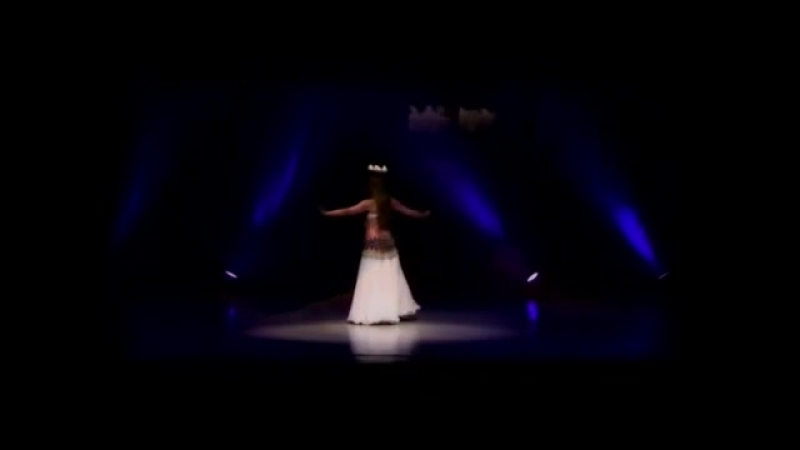 Kalila - tanec so sviečkami (Belly dance with candle tray) 23619