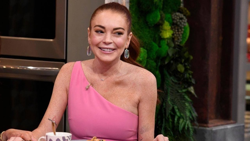 Lindsay Lohan Cooks With Rach Dishes On Why She Had To Fire 2 Employees
