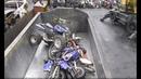 Утилизация мотоциклов, автомобилей и велосипедов. Слабонервным не смотреть