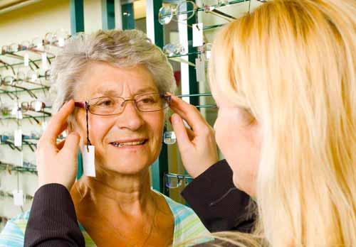 Очки без оправы обеспечивают минималистичный, ненавязчивый вид в очках.