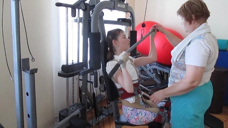 Занятия в костюме Гравитон. Работаем над укреплением мышц рук.