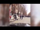 Алексей Панин прокатился на Gelandewagen по пешеходной улице.