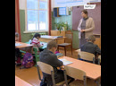 Учителя из маленькой деревни в Смоленской области спасли школу от закрытия, взяв десятки приемных детей в свои семьи