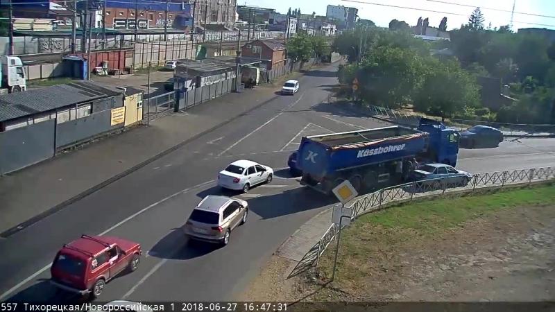 ДТП на ТихорецкаяНовороссийская, Краснодар, 27 июня