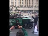Представляю, как охерели иностранцы, увидев медведя играющего на дудке, в честь победы сборной России
