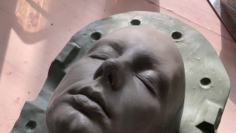 Процесс изготовления головы из силикона