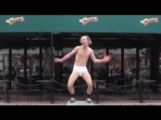 Танцор на движениях