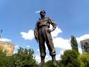 Дочь батальона Призрак Богдана у памятника Мозговому