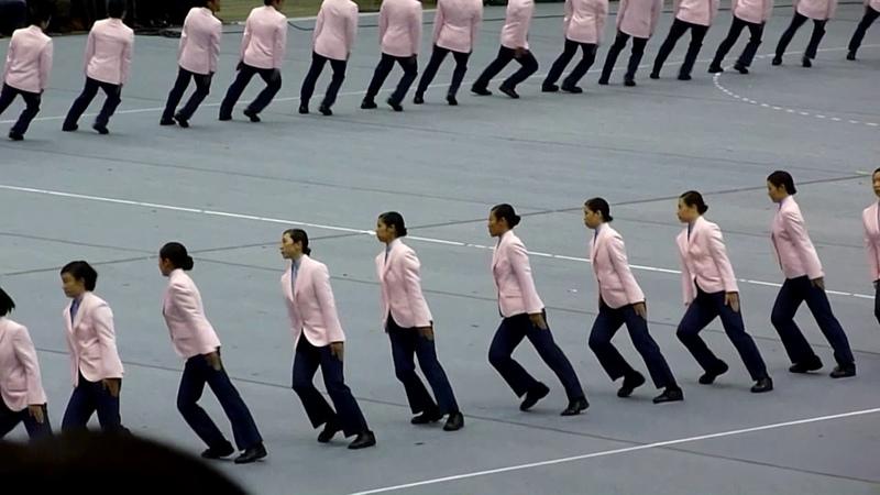 Baris berbaris yang sangat mengagumkan - Precision Walking Competition