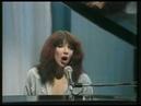 Kate Bush - Symphony In Blue (1979 Xmas Special)