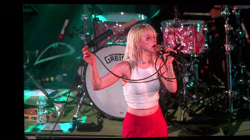 Pool Live in Maryland Paramore