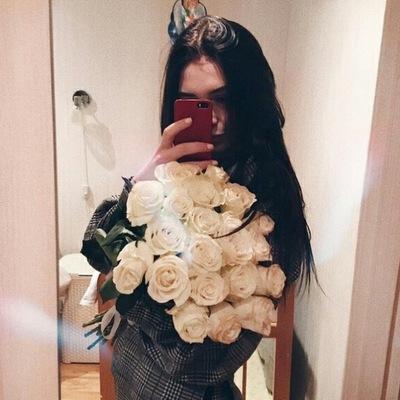 Лиза Громова