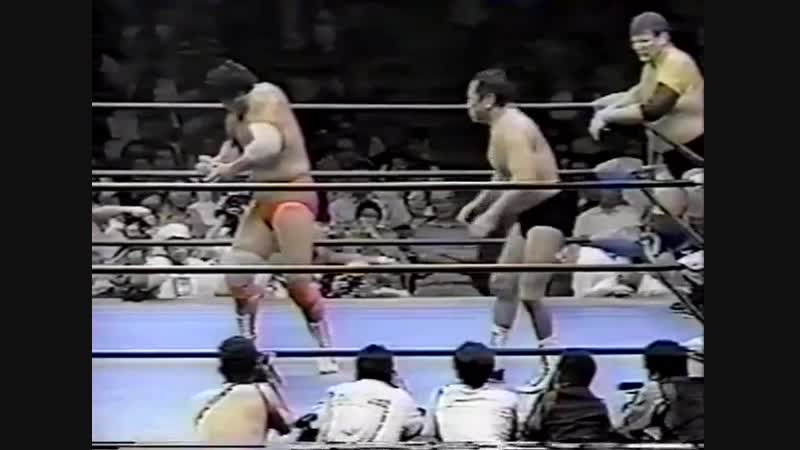 1995.09.10 - Abdullah T. Butcher/Giant Baba/Masanobu Fuchi/Toshiaki Kawada vs. Jun Akiyama/Kenta Kobashi/Stan Hansen/Takao Omori