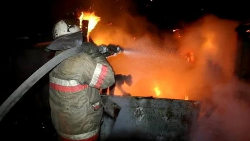 В Архызе сгорела двухэтажная баня