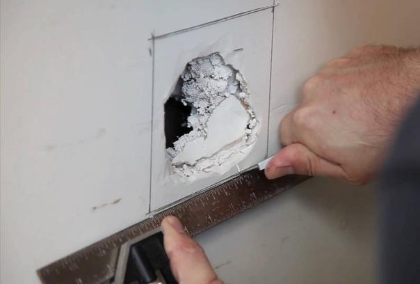 Восстановление гипсокартонной стены.
