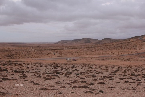 Путешественник из Москвы проехал половину Африки Марокко, Западную Сахару, Мавританию, Сенегал, Гамбию на «Оке». Вместе с ним в поездке участвовали еще несколько человек из разных стран, один из