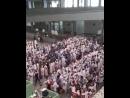 الحملات الاندونيسية تدخل مطار جدة في موكب مهيب منشدين بصوت واحد سلام الله علي الهادي رسول الله