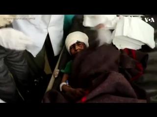 Saudi-led Airstrikes Hit Bus in Yemen, Killing 43, Many Children - YouTube (360p)