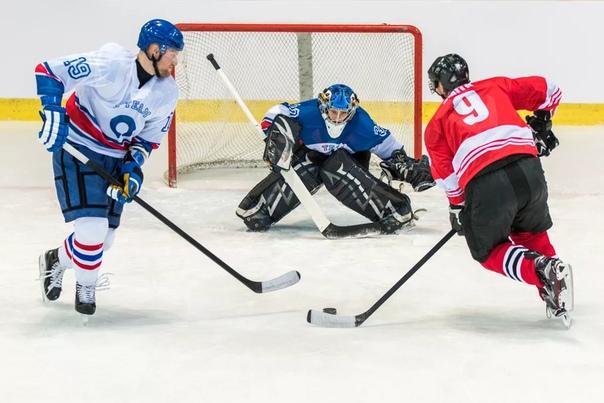 Футбол или хоккей - что лучше для спорта