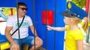 Настя и папа в парке аттракционов / Nastya and papa pretend play at the amusement park