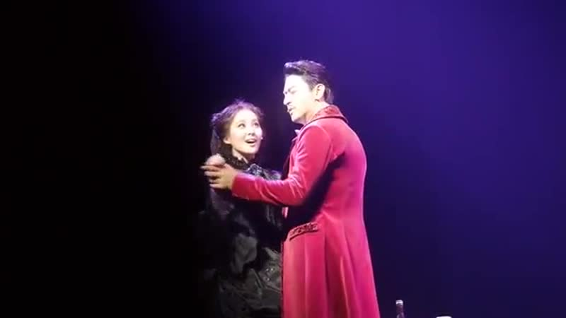 Seohyun Joo Jin Mo - Rett gifts to Scarlett (23.01.2015, Gone With the Wind) FanCam