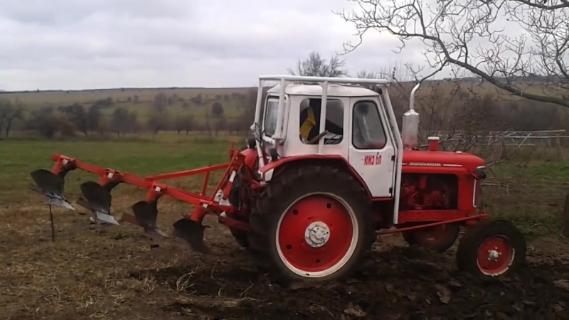 Вспашка огорода трактором ЮМЗ