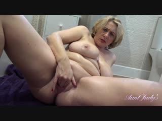 Auntjudys auntie camilla [bath time pov]