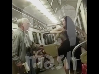 Тупое быдло в метро и дедушка, которого чуть не избили за замечание