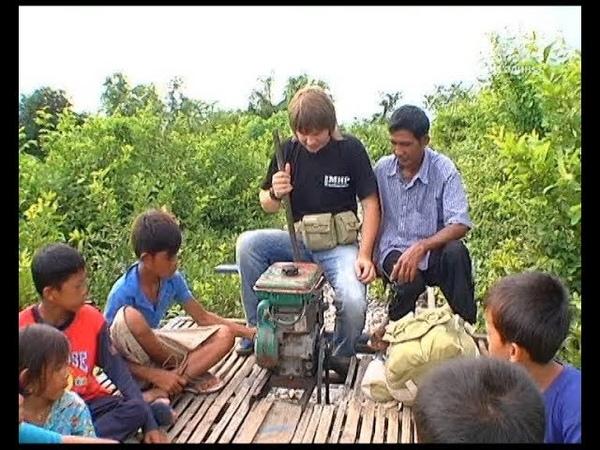 Бамбуковий поїзд - Світ навиворіт. Камбоджа. 1 сезон 5 серія