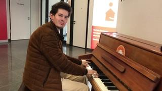 FUNKY PIANO IMPROVISATION at Banking Terminal in Dortmund - THOMAS KRÜGER