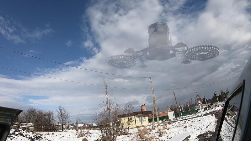 В Грузиию прилетел удивительный по строению нло/старые съемки летающих объектов