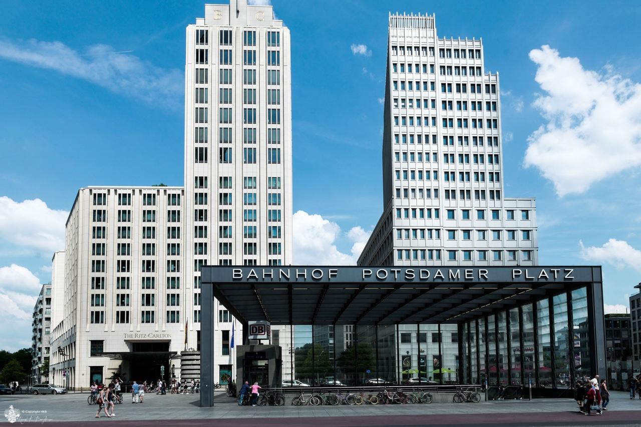 4x1xd4_mqXw Потсдамская площадь и окрестности. Берлин.