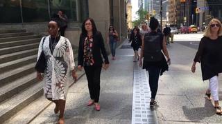 Впервые в Канаде - телебачення Торонто! 🍁 Стеклянные джунгли. Мнения разошлись! 💔