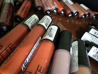 Жидкая матовая помада Matte Liquid Lipstick от FARMASI